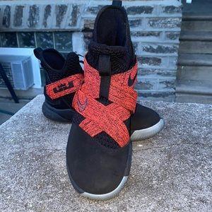Nike Lebron Soldier 12 Vll Red/Black Sz 9